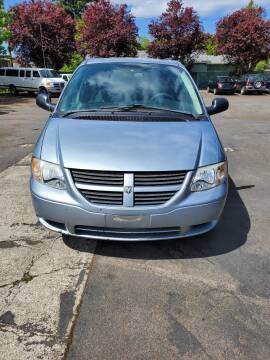 2005 Dodge Grand Caravan for sale at Blue Line Auto Group in Portland OR