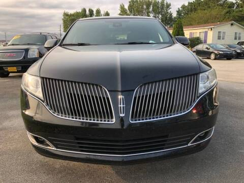 2016 Lincoln MKT Town Car for sale at Greenville Motor Company in Greenville NC