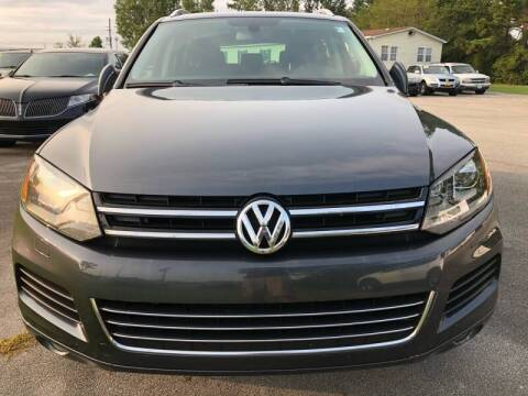 2013 Volkswagen Touareg for sale at Greenville Motor Company in Greenville NC