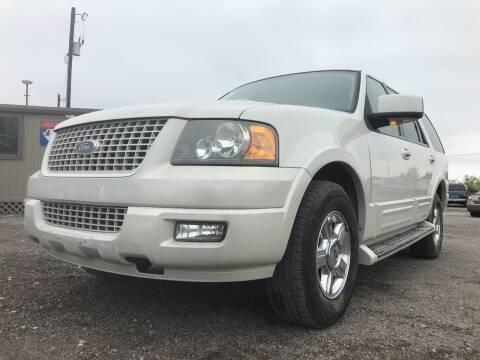 2006 Ford Expedition for sale at Texas Country Auto Sales LLC in Austin TX