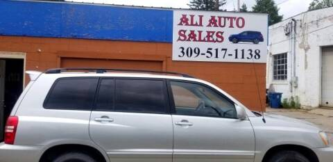 2003 Toyota Highlander for sale at Ali Auto Sales in Moline IL