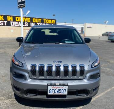 2015 Jeep Cherokee for sale at Global Auto Group in Fontana CA