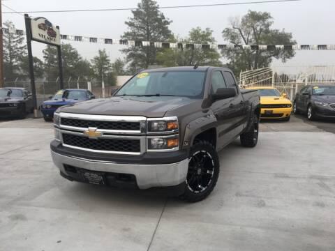 2014 Chevrolet Silverado 1500 for sale at Velascos Used Car Sales in Hermiston OR