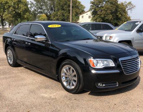 2014 Chrysler 300 for sale at El Tucanazo Auto Sales in Grand Island NE