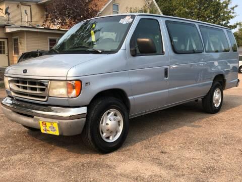 1999 Ford E-350 for sale at El Tucanazo Auto Sales in Grand Island NE