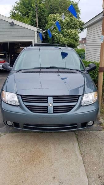 2006 Dodge Grand Caravan SXT 4dr Extended Mini-Van - Fall River MA