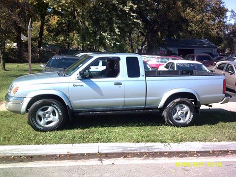 2000 Nissan Frontier for sale in Topeka, KS
