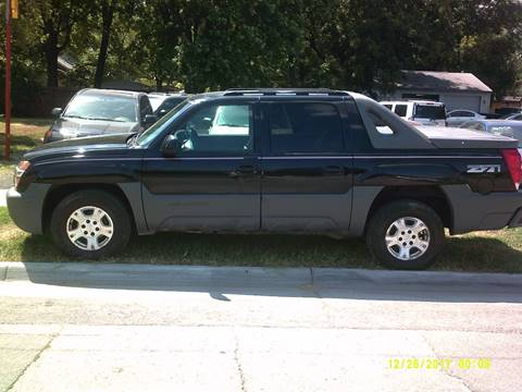 2002 Chevrolet Avalanche for sale at D & D Auto Sales in Topeka KS