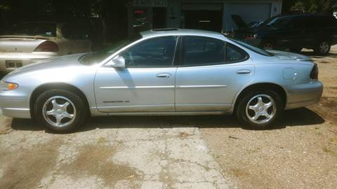 2002 Pontiac Grand Prix for sale at D & D Auto Sales in Topeka KS