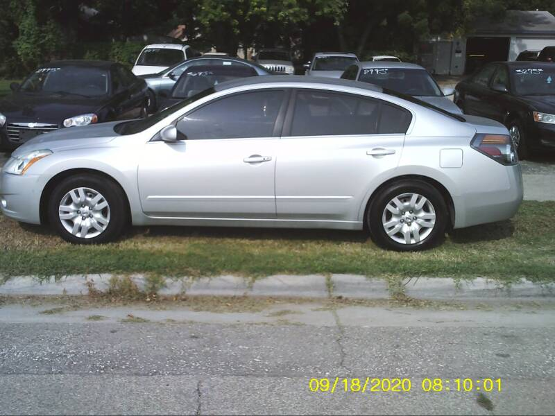 2011 Nissan Altima for sale at D & D Auto Sales in Topeka KS