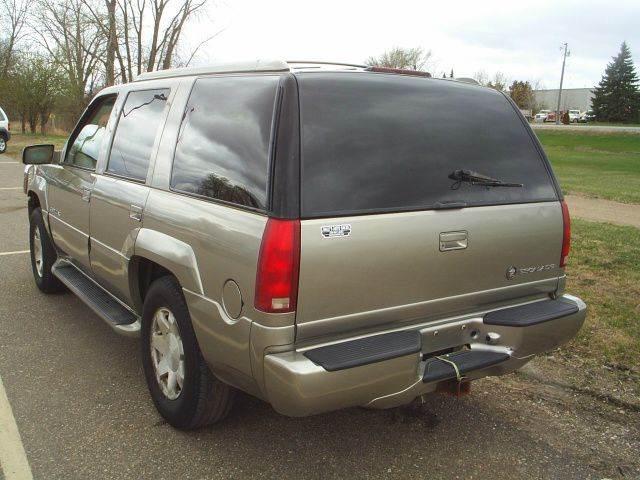 2000 Cadillac Escalade 4dr 4WD SUV - Hutchinson MN