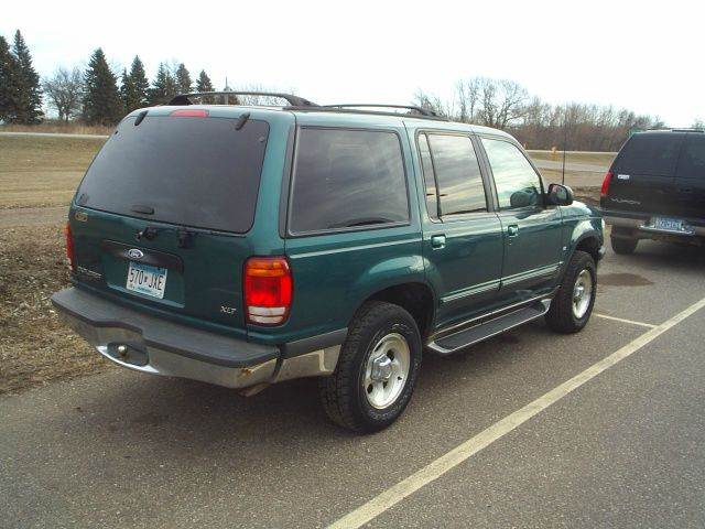 1998 Ford Explorer AWD XLT 4dr SUV - Hutchinson MN