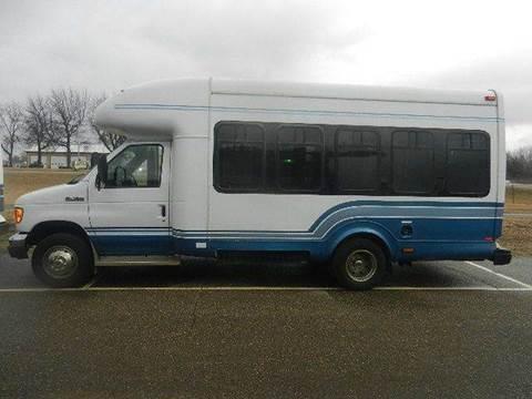 2006 Ford E-450 for sale in Hutchinson, MN