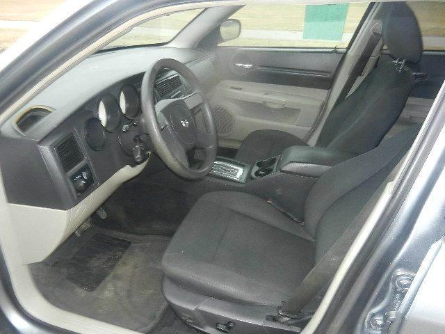 2006 Dodge Magnum SE 4dr Wagon - Hutchinson MN