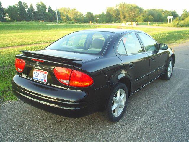 1999 Oldsmobile Alero GL 4dr Sedan - Hutchinson MN