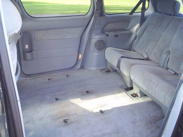 1999 Toyota Sienna 4dr LE Mini-Van - Hutchinson MN