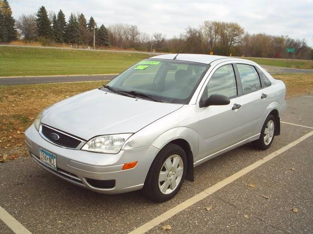 2007 ford focus zx4 se 4dr sedan in hutchinson mn dales. Black Bedroom Furniture Sets. Home Design Ideas