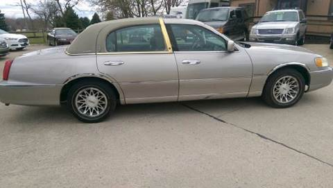 2001 Lincoln Town Car Signature for sale at Kachar's Used Cars Inc in Monroe MI