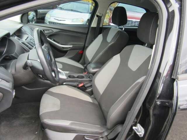 2012 Ford Focus SE 4dr Hatchback - Clinton Township MI