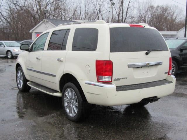 2008 Chrysler Aspen 4x4 Limited 4dr SUV - Clinton Township MI