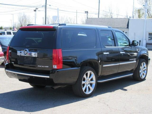 2009 Cadillac Escalade ESV Base AWD 4dr SUV w/V8 Ultra Luxury Collection - Clinton Township MI