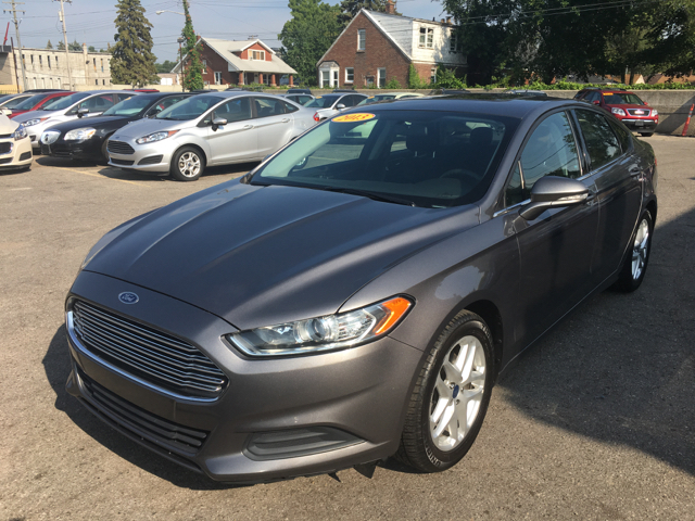 2013 Ford Fusion for sale at Ryan Auto Sales in Warren MI