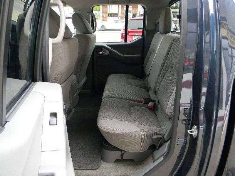 2016 Nissan Frontier 4x4 SV 4dr Crew Cab 5 ft. SB Pickup 5A - Salina KS