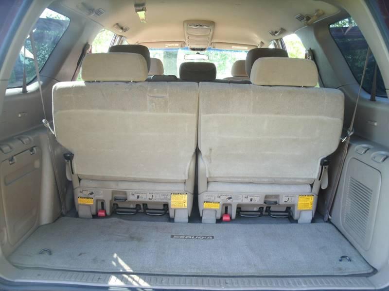 2002 Toyota Sequoia SR5 2WD 4dr SUV - Holland MI
