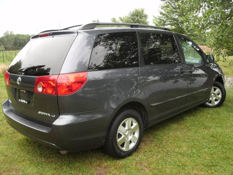 2006 Toyota Sienna LE 7-Passenger 4dr Mini-Van - Holland MI