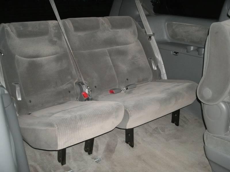 2008 Toyota Sienna LE 7-Passenger 4dr Mini-Van - Holland MI