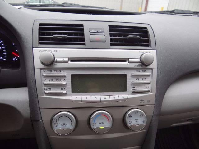 2010 Toyota Camry LE 4dr Sedan 6A - Pickerington OH