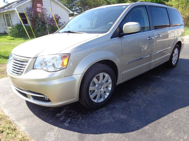 2015 Chrysler Town and Country for sale at VanderHaag Car Sales LLC in Scottville MI