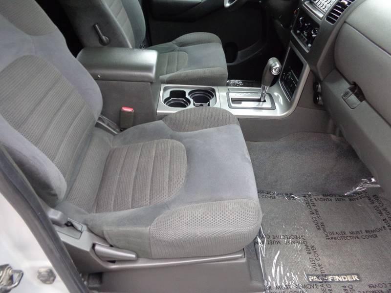 2006 Nissan Pathfinder SE 4dr SUV 4WD In Scottville MI - VanderHaag