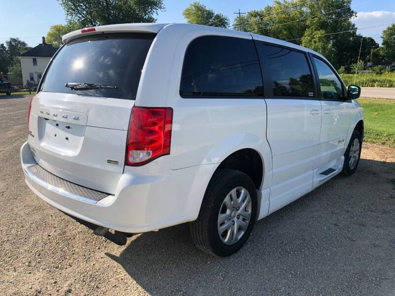 2017 Dodge Grand Caravan SE 4dr Mini-Van - Fort Atkinson WI