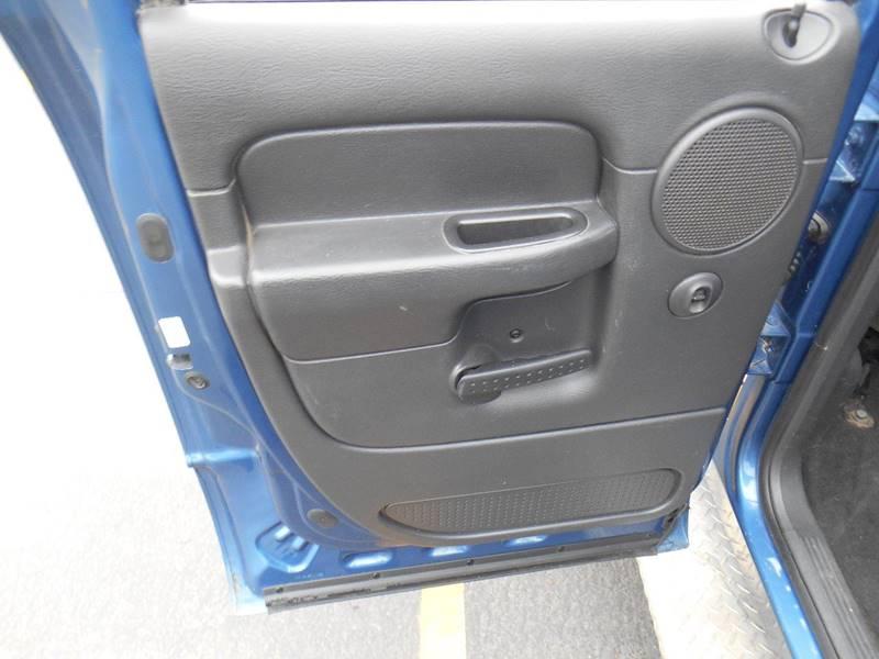 2005 Dodge Ram Pickup 2500 4dr Quad Cab SLT 4WD SB - Sioux Falls SD