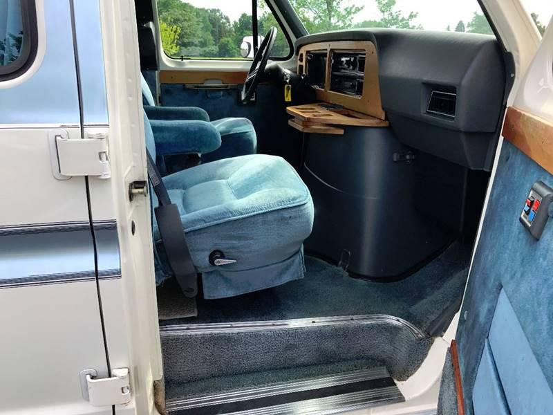 1990 Ford Class B Camper Van Sun Sport - Grand Rapids MI