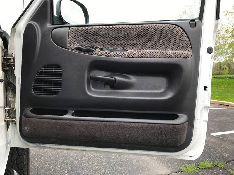1998 Dodge Ram Pickup 1500 2dr Laramie SLT 4WD Standard Cab LB - Grand Rapids MI