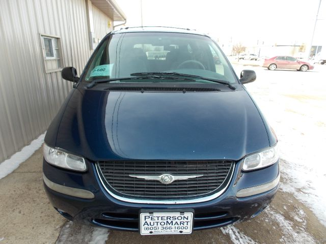 2000 Chrysler Town And Country Lx 4dr Passenger Van