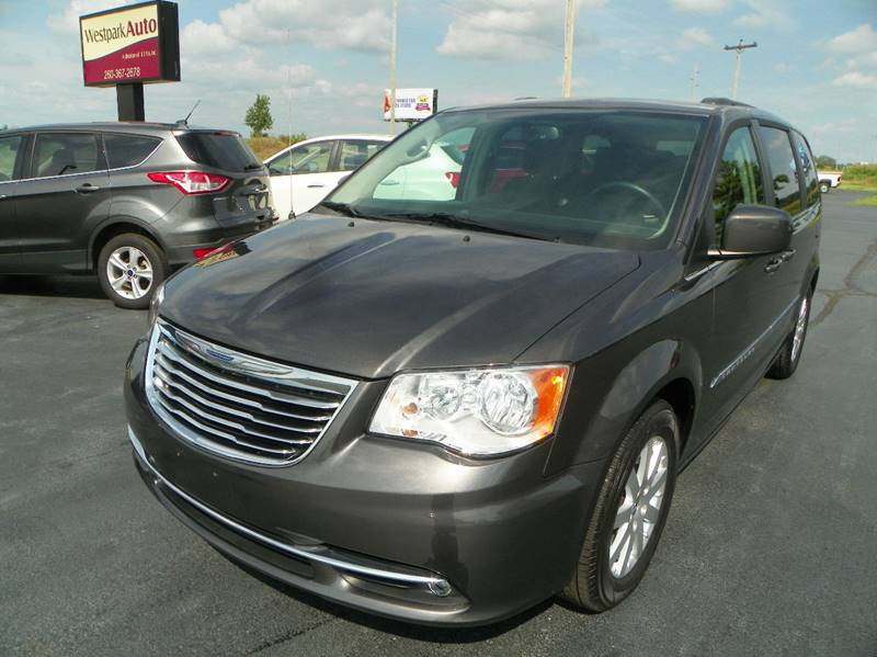2016 Chrysler Town and Country Touring 4dr Mini-Van - Lagrange IN