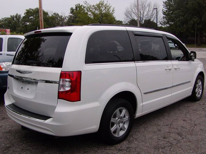 2011 Chrysler Town and Country Touring 4dr Mini Van in Berea