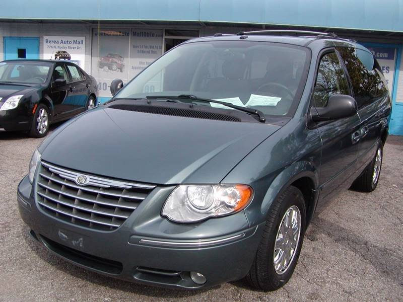 2006 Chrysler Town and Country Limited 4dr Extended Mini Van