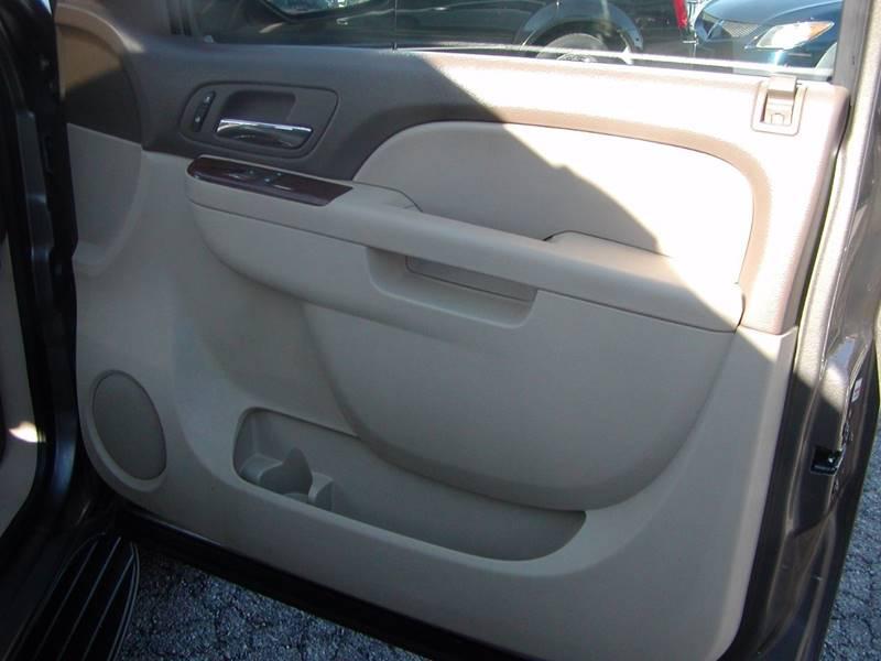 2011 GMC Yukon SLT 4x4 4dr SUV for sale at Berea Auto Mall