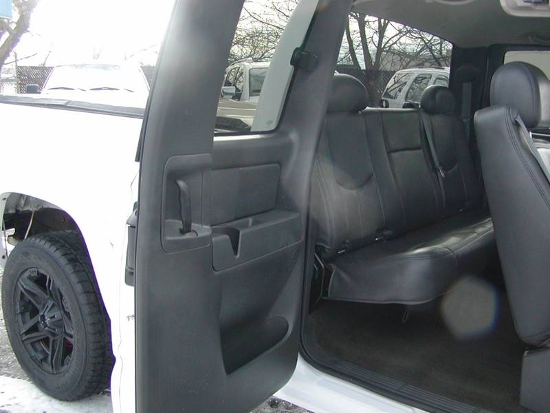 2007 GMC Sierra 1500 Classic SLT 4dr Extended Cab 4WD 5.8 ft. SB for sale at Berea Auto Mall