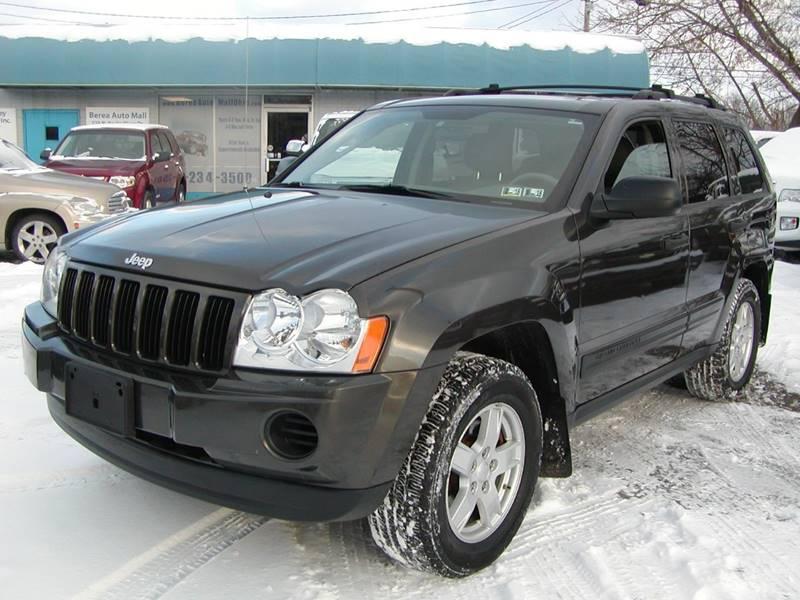 2005 Jeep Grand Cherokee Laredo 4dr 4WD SUV