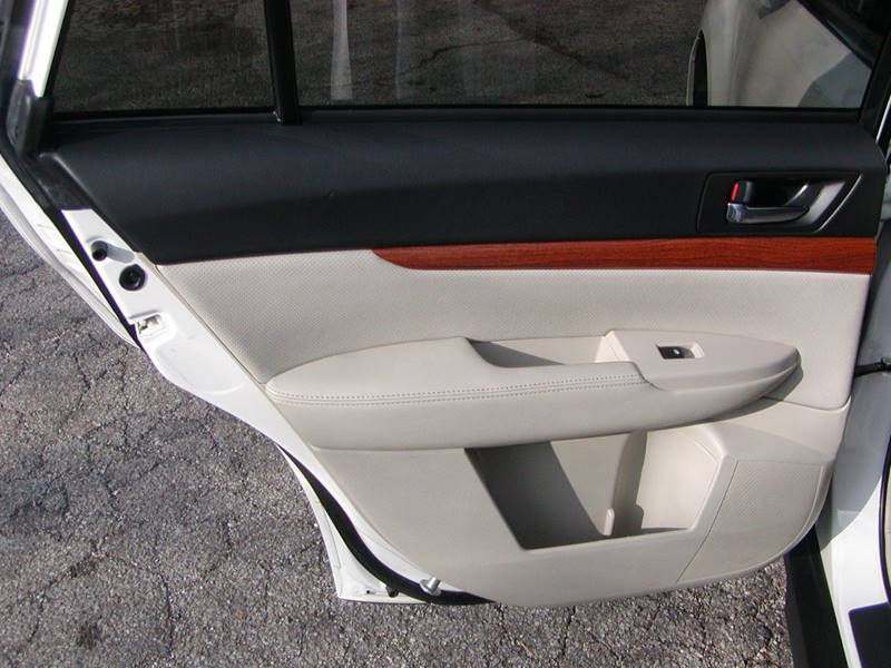 2014 Subaru Outback 2.5i Limited AWD 4dr Wagon for sale at Berea Auto Mall