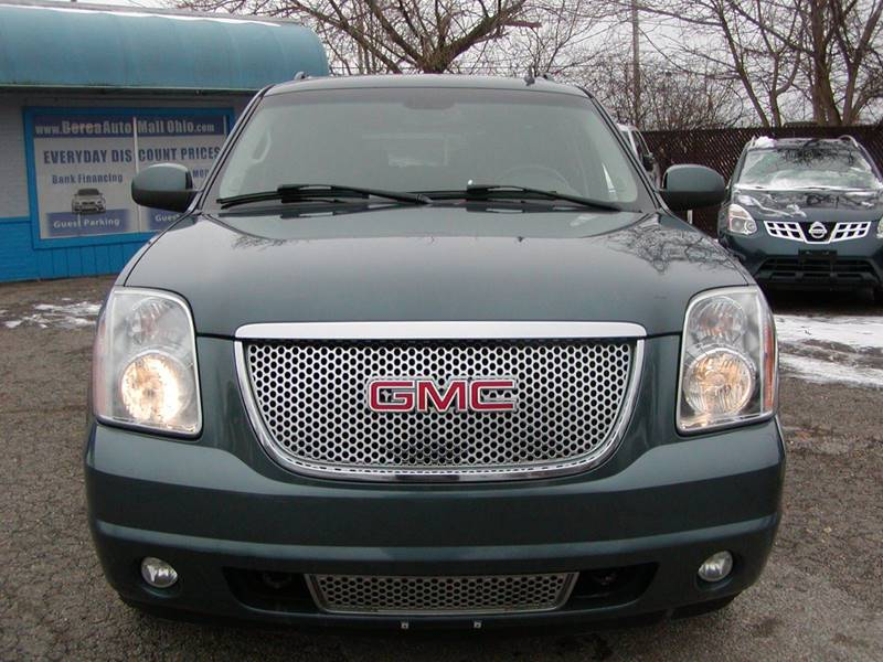 2007 GMC Yukon XL Denali AWD 4dr SUV for sale at Berea Auto Mall
