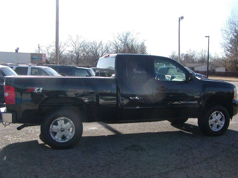 2011 Chevrolet Silverado 1500 LT 4x4 4dr Extended Cab 6.5 ft. SB for sale at Berea Auto Mall