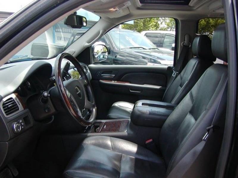 2009 GMC Yukon Denali AWD 4dr SUV for sale at Berea Auto Mall