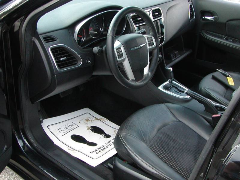2013 Chrysler 200 Limited 4dr Sedan for sale at Berea Auto Mall