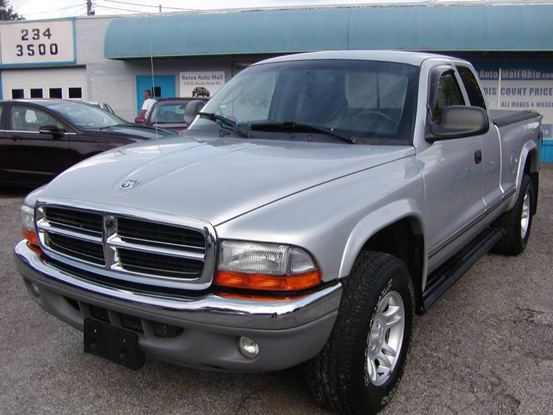 2004 Dodge Dakota SLT 2dr Club Cab 4WD SB for sale at Berea Auto Mall